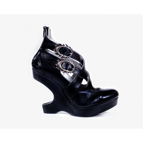 Spanish Alternative Heel Lees Shoe Silver Black Leather by Octavio Vera